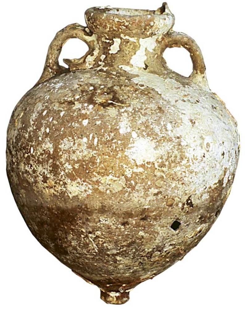 &Agrave;mfora grega forma 2 de M. Py, fabricada a Massalia (Marsella). Rara a les Piti&uuml;ses, extreta d´un punt indeterminat del litoral d´aquestes illes. Contengut: vi, <em>c.</em> 490-450 aC. Foto: Joan Ramon Torres.