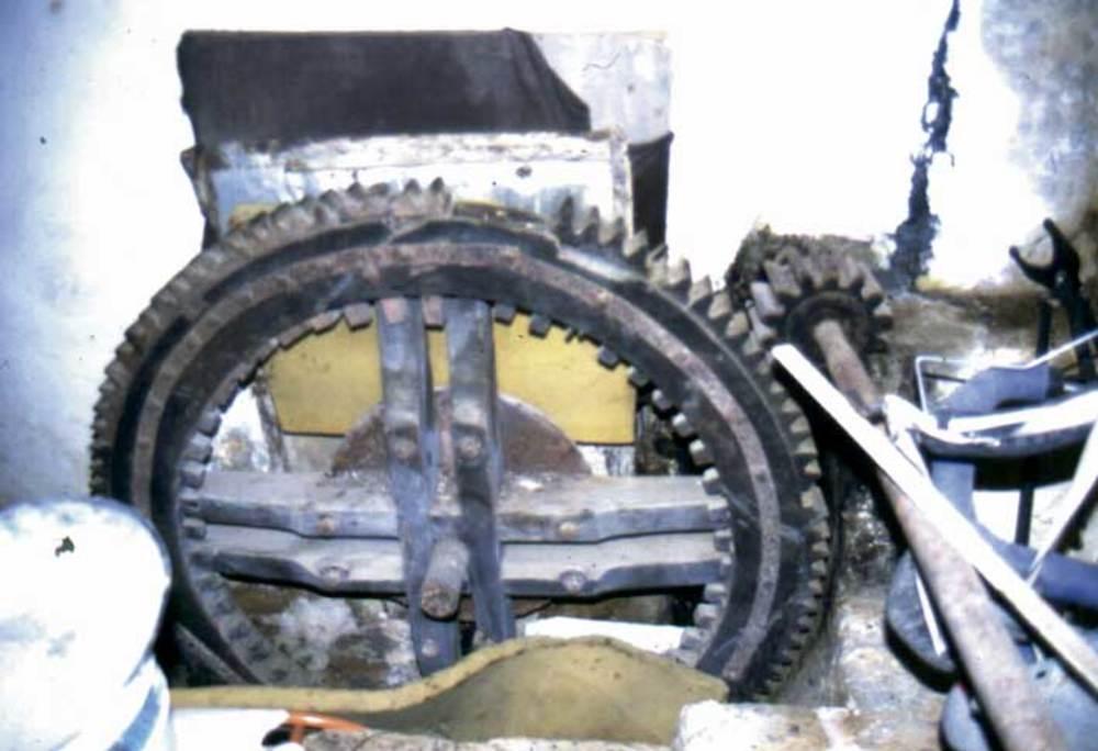 Maquinària del molí de ca na Peres, a Buscastell. Foto: Felip Cirer Costa.