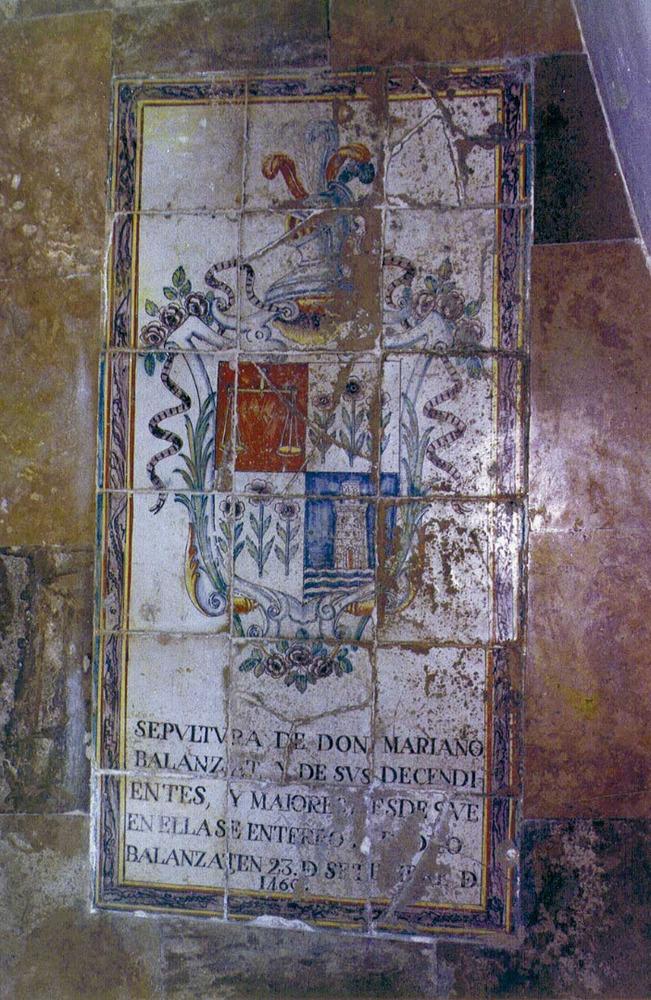 Catedral d´Eivissa. Làpida feta amb rajoles policromades, pertanyent a la família Balansat. Foto: Rosa Gurrea Barricarte.