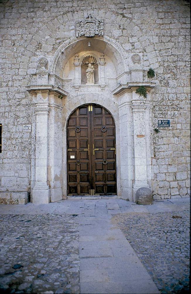 Catedral d´Eivissa. Porta principal. Foto: Joan Ramon Torres / Rosa Gurrea Barricarte.