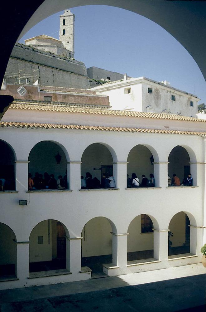 El claustre del Convent.