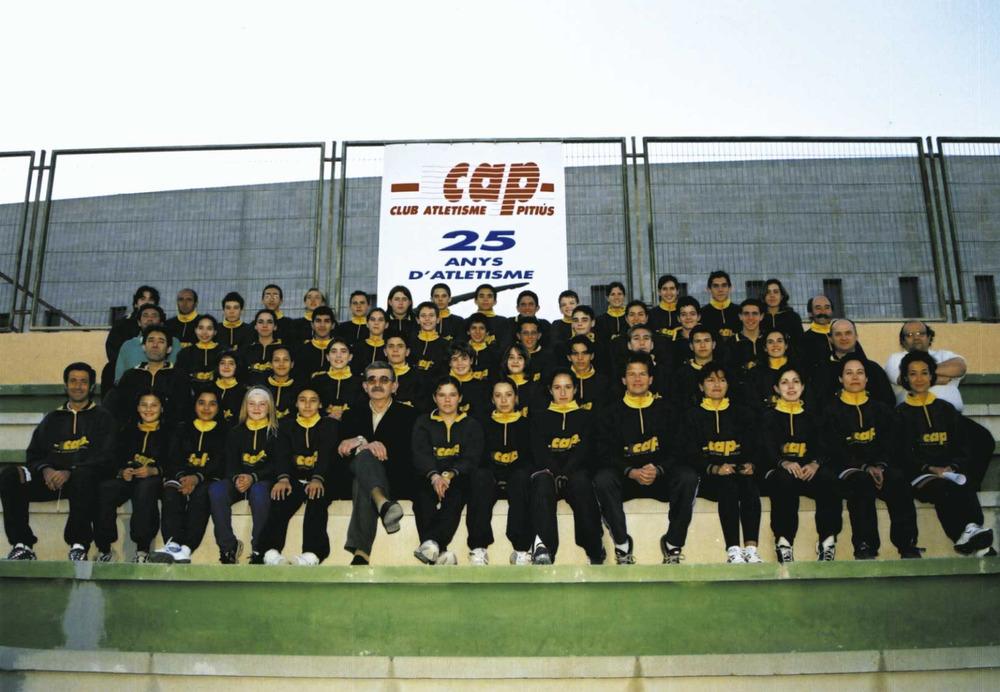 Esports. Atletes del Club Atletisme Pitiús, creat el 1975, organitzador de les primeres curses populars. Foto: Roberto López.