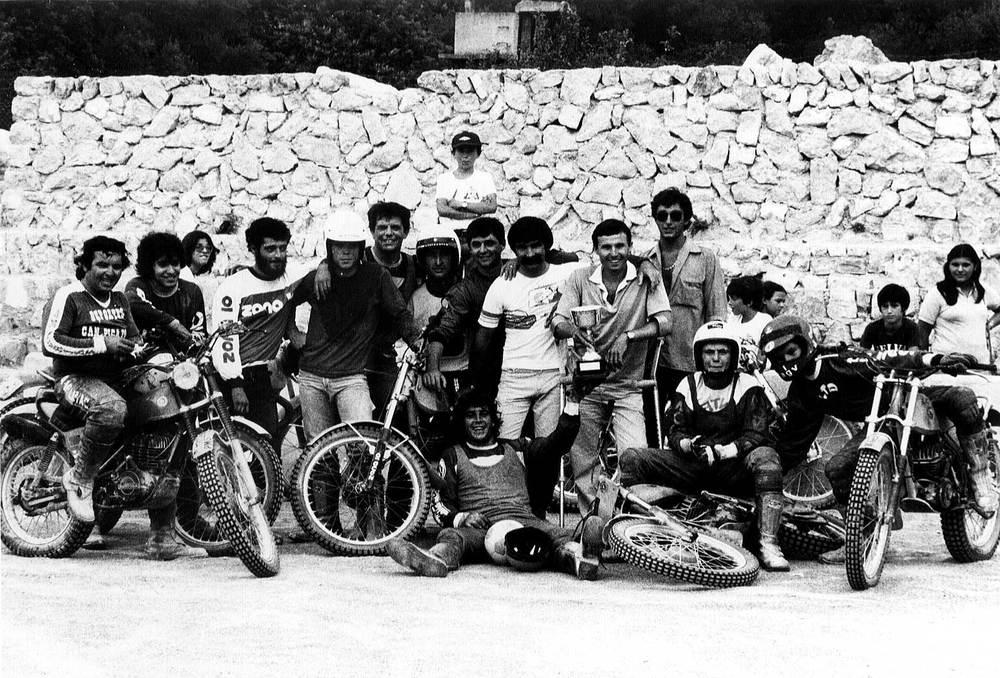 Esports. Pilots eivissencs que participaren en un partit de motoball el 1979. Foto: cortesia de Rafa Ruiz.