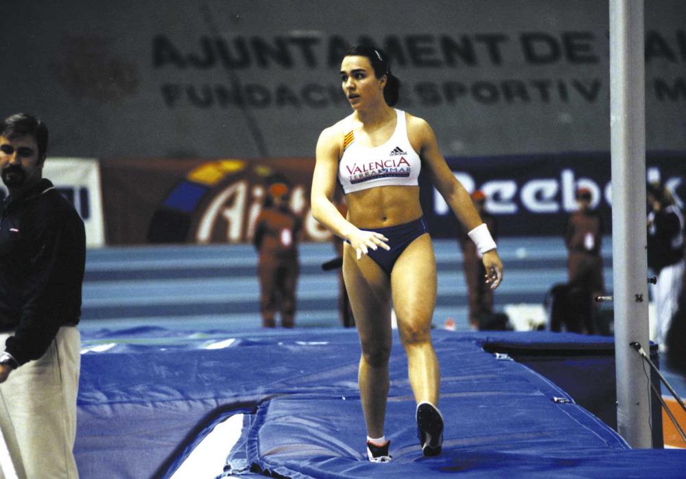 Esports. Mar Sánchez, saltadora de perxa. Foto: Roberto López.