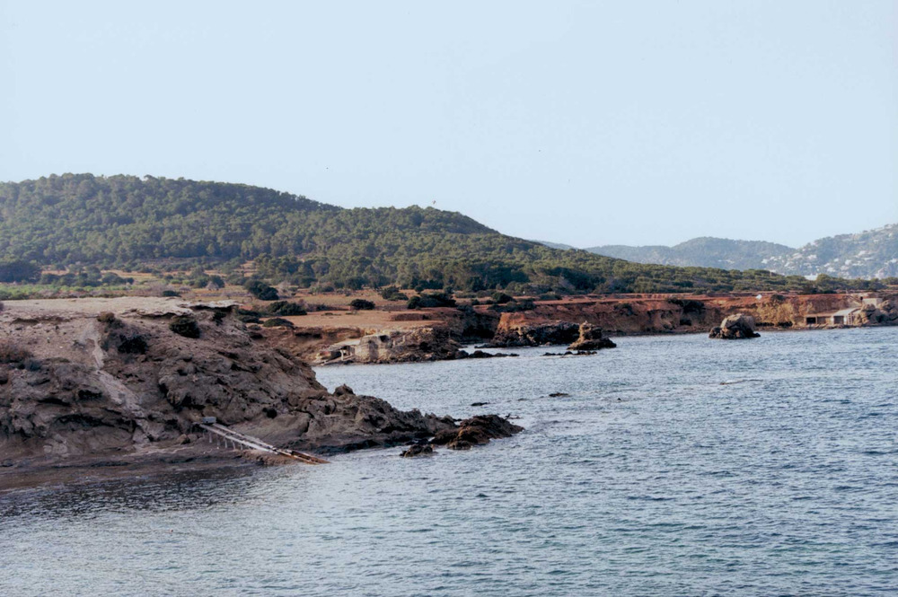 Geografia. La costa esglaonada des Pou des Lleó. Foto: Josep Antoni Prats Serra.