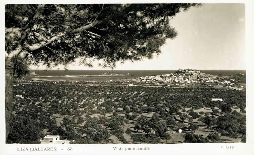 Geografia. Sistema urbà. La ciutat d´Eivissa era, fins ben avançat el s. XX, l´únic nucli urbà de l´illa. Foto: Viñets / Arxiu Històric Municipal d´Eivissa.