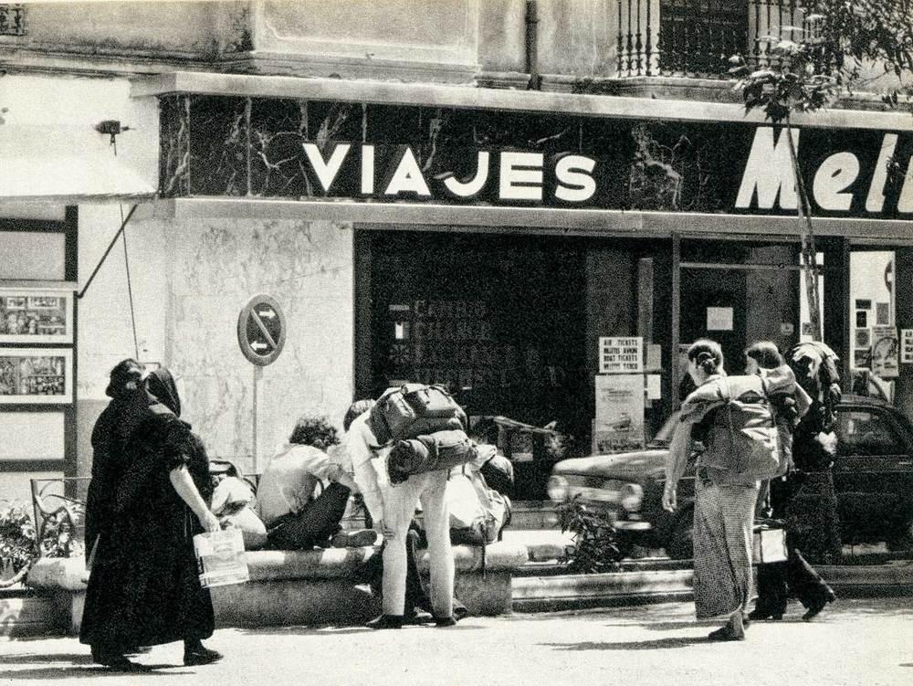 Geografia. Sector terciari. Els grans operadors són representats per les agències de viatge d´Eivissa. Foto: arxiu Antoni Mir.