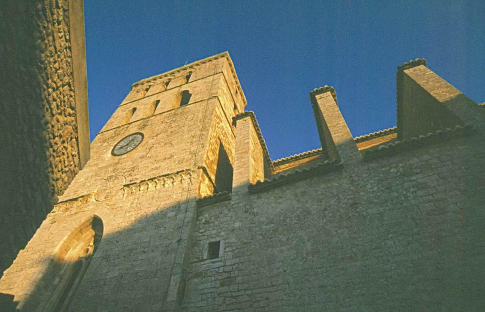 Corona d´Aragó. Catedral d´Eivissa, que en un principi era la parròquia de Santa Maria, començada el s. XIV. Foto: Vicent Marí.