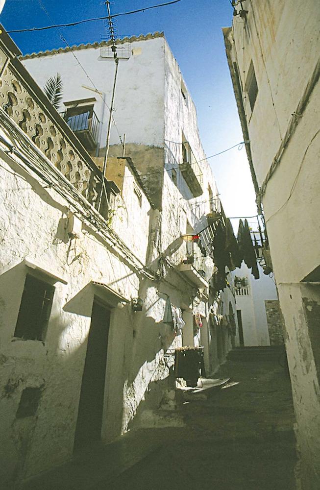 Corona d´Aragó. Una vista de Dalt vila. Després de la conquista catalana es degué aprofitar gran part de l´estructura urbana de l´època musulmana. Foto: Vicent Marí.