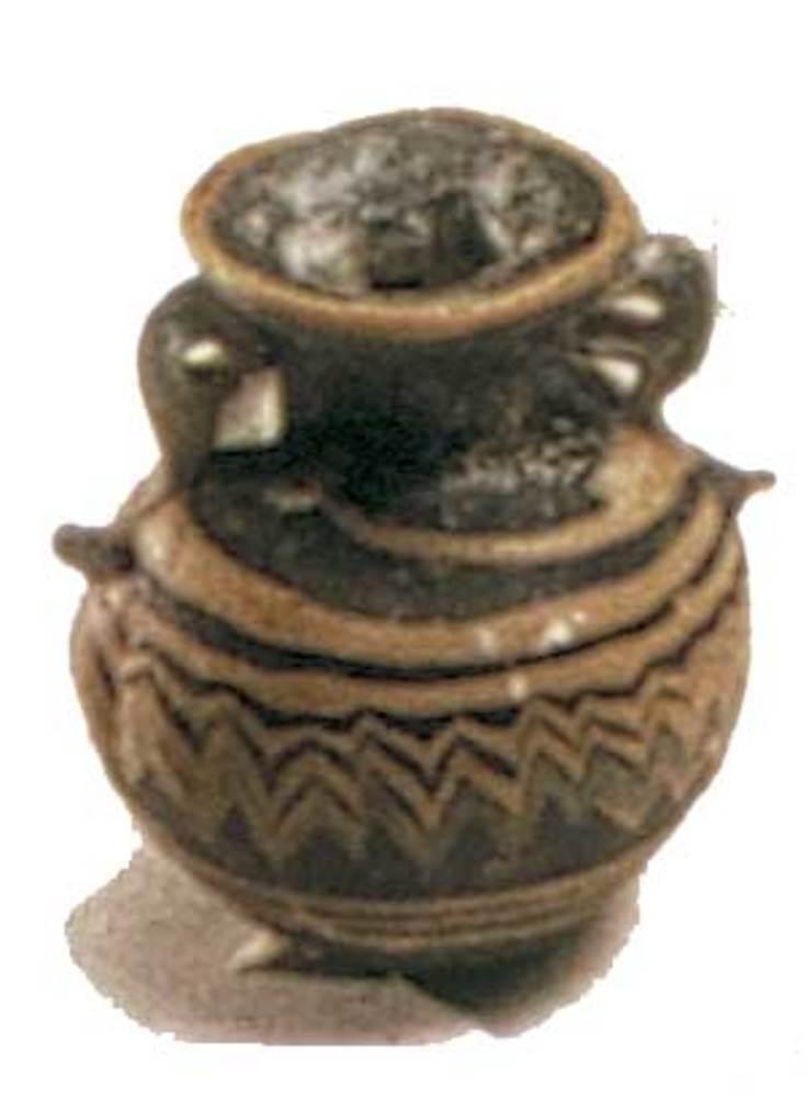 Època feniciopúnica. Aríbal de pasta vítria amb decoració policromada; s. V aC.
