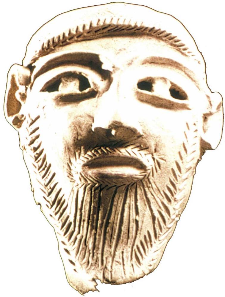 Època feniciopúnica. Màscara funerària d´estil punicoebusità, feta el s. IV aC. i trobada al Puig des Molins. Foto: cortesia del Museu Arqueològic d´Eivissa i Formentera.