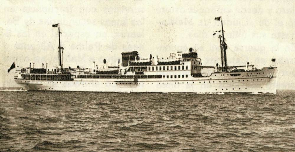 Hist&ograve;ria contempor&agrave;nia. Imatge del vaixell <em>Ciudad de Palma</em>, que durant un temps va servir les comunicacions mar&iacute;times de les Balears i que el setembre de 1936 va transportar les tropes nacionals que ocuparen Eivissa. Extret de <em>Todo Avante</em> / Companyia Trasmediterr&aacute;nea.