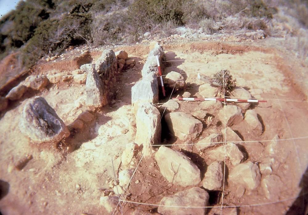 Prehistòria. Excavació de can Sergent I, l´únic monument funerari prehistòric documentat a l´illa d´Eivissa. Foto: Jordi H. Fernández Gómez.