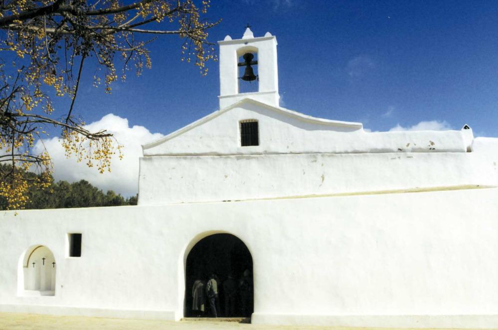 """L´església de Sant Llorenç. Foto: Vicent Ribas """"Trull""""."""
