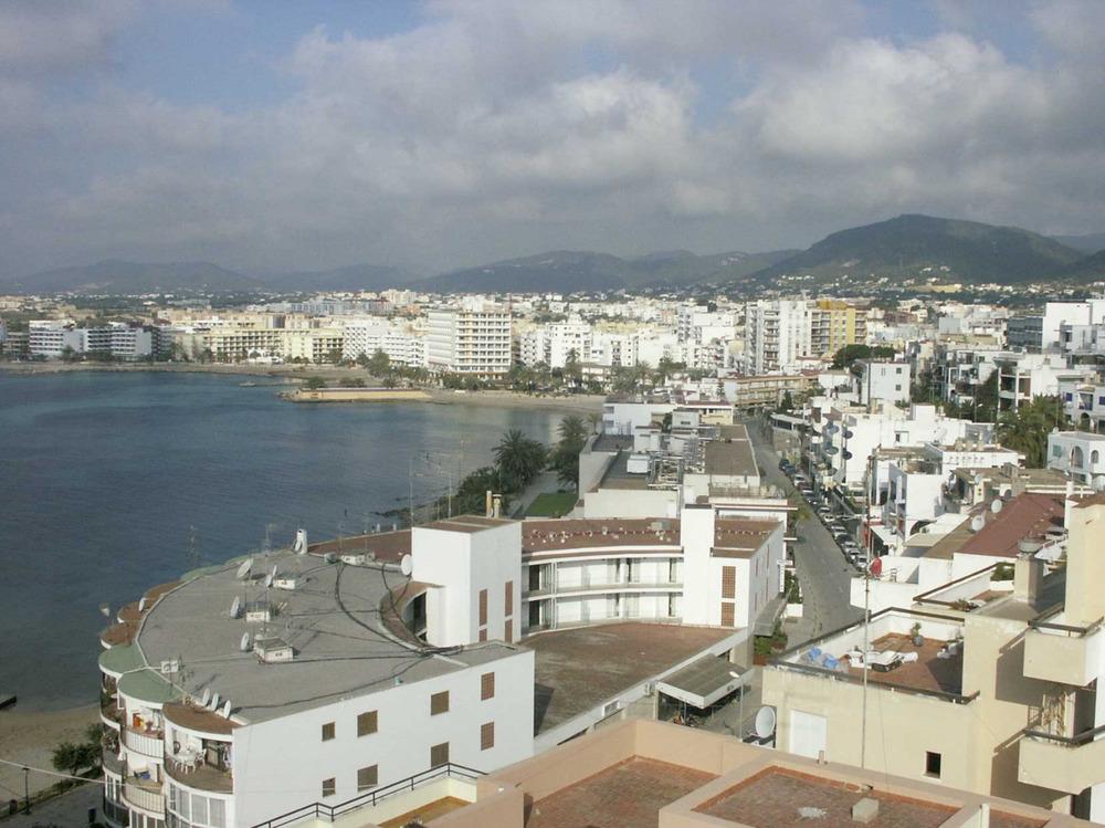 Ses Figueretes. Vista de la barriada des del puig des Molins. Foto: Felip Cirer Costa.