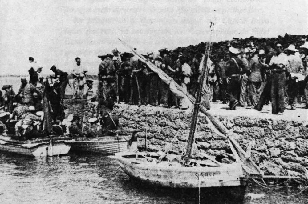 Formentera. Època contemporània. Després d´apoderar-se amb facilitat de Formentera, les forces republicanes reembarcaren en direcció a l´illa d´Eivissa. Arxiu Raymar.