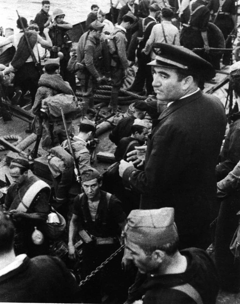 Formentera. Època contemporània. El 7 d´agost de 1936 les tropes republicanes desembarcaren a Formentera. Havien de conquistar les Pitiüses i utilitzar-les després com a cap de pont per atacar Mallorca. El cap de l´expedició era alberto Bayo.