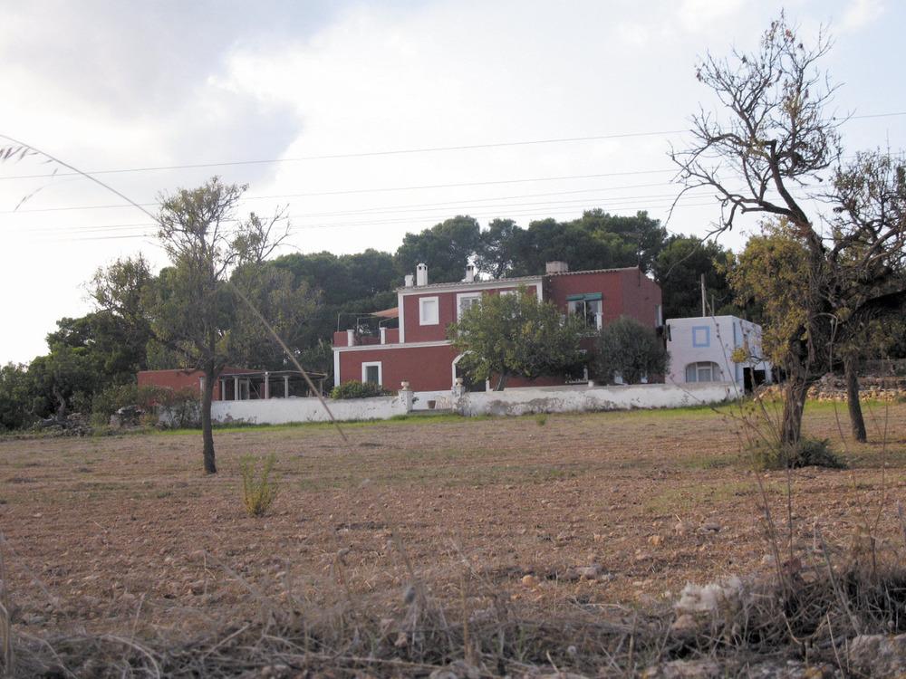 Es Puig d´en Valls. Ca s´Ingleset, una de les primeres cases del poble, construïda a començament del s. XX. Foto: Maurici Cuesta i Labèrnia.