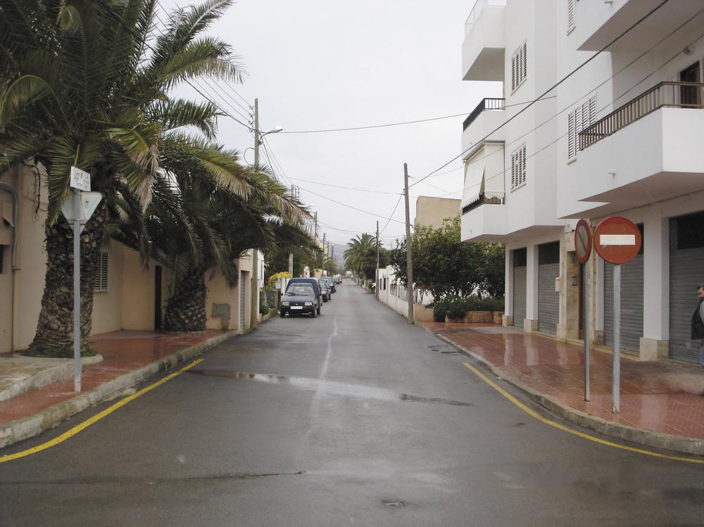 Es Puig d´en Valls. Imatge del carrer de l´Alcalde Torres Tur al seu inici. Foto: Felip Cirer Costa.