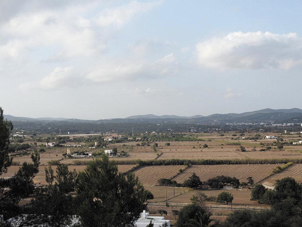 Es Puig d´en Valls. La plana d´en Jordi, que manté el nom d´un antic propietari, Jordi Llobet, del s. XVII. Foto: Maurici Cuesta Labèrnia.