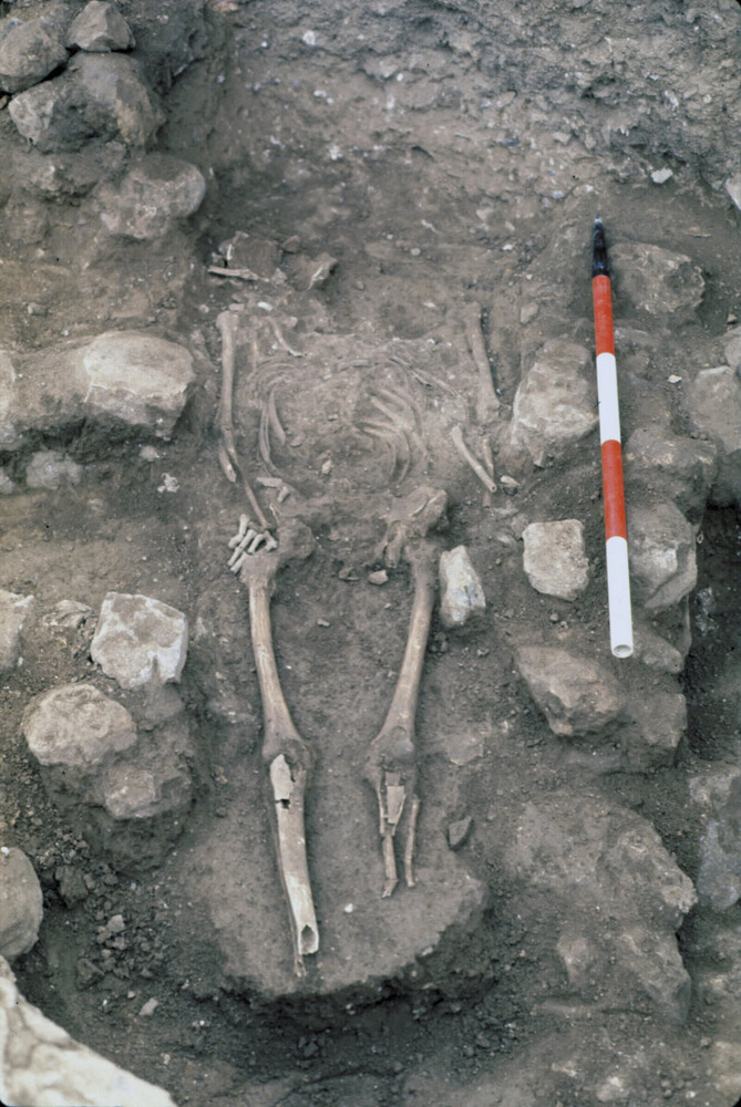 Necròpolis del Puig des Molins. Fase imperial romana. Enterrament d´inhumació a la necròpolis. En aquesta fase apareixen altres àrees de necròpolis urbanes. Foto: Museu Arqueològic d´Eivissa.