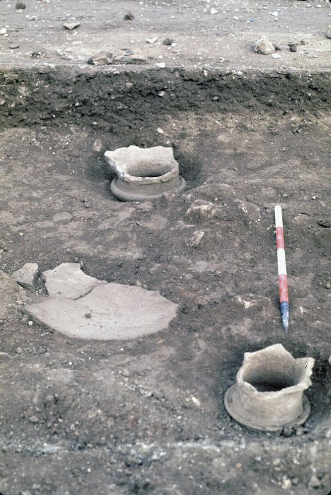 Necròpolis del Puig des Molins. Fase medieval islàmica. Restes de ceràmica d´època islàmica trobades al sector del raval islàmic, al NE de la necròpolis. Foto: Museu Arqueològic d´Eivissa.