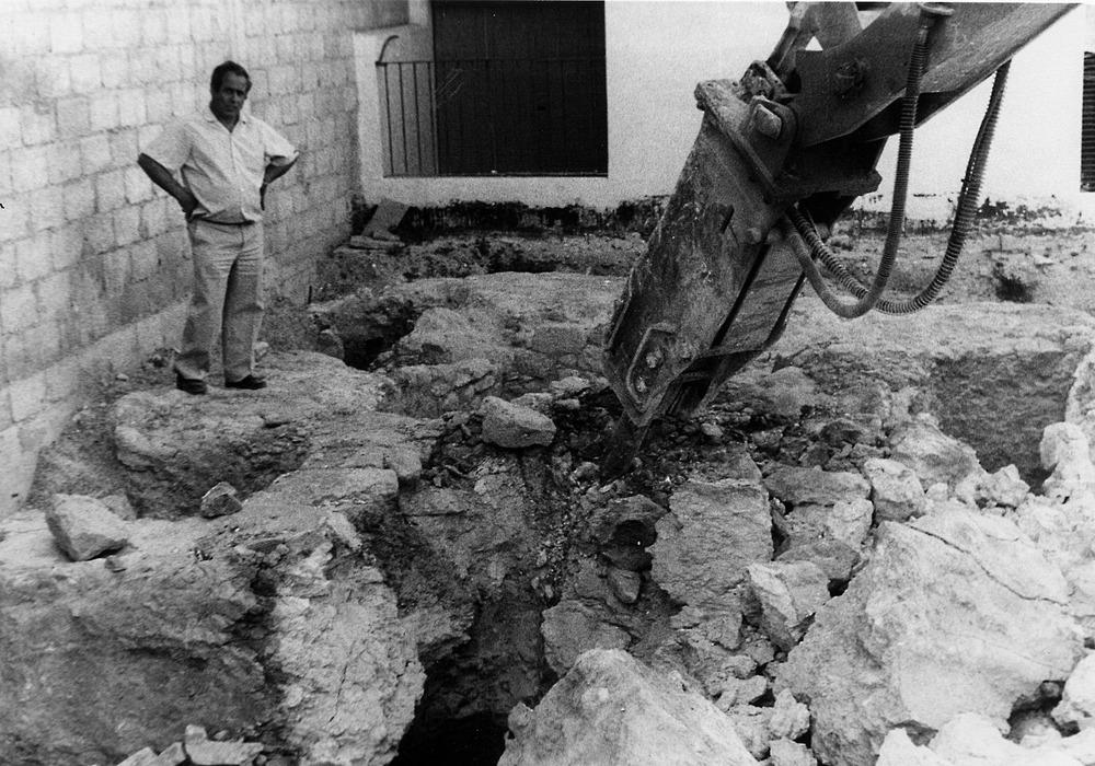 Necròpolis del Puig des Molins. Destrucció dels hipogeus de la finca de can Partit. Foto: Museu Arqueològic d´Eivissa.