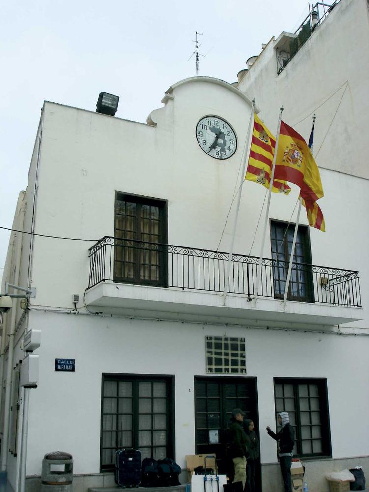 Sant Antoni de Portmany: l´antic edifici de l´Ajuntament, al passeig de ses Fonts, que el 2011 es trobava pendent d´una profunda remodelació. Foto: M. Marí.