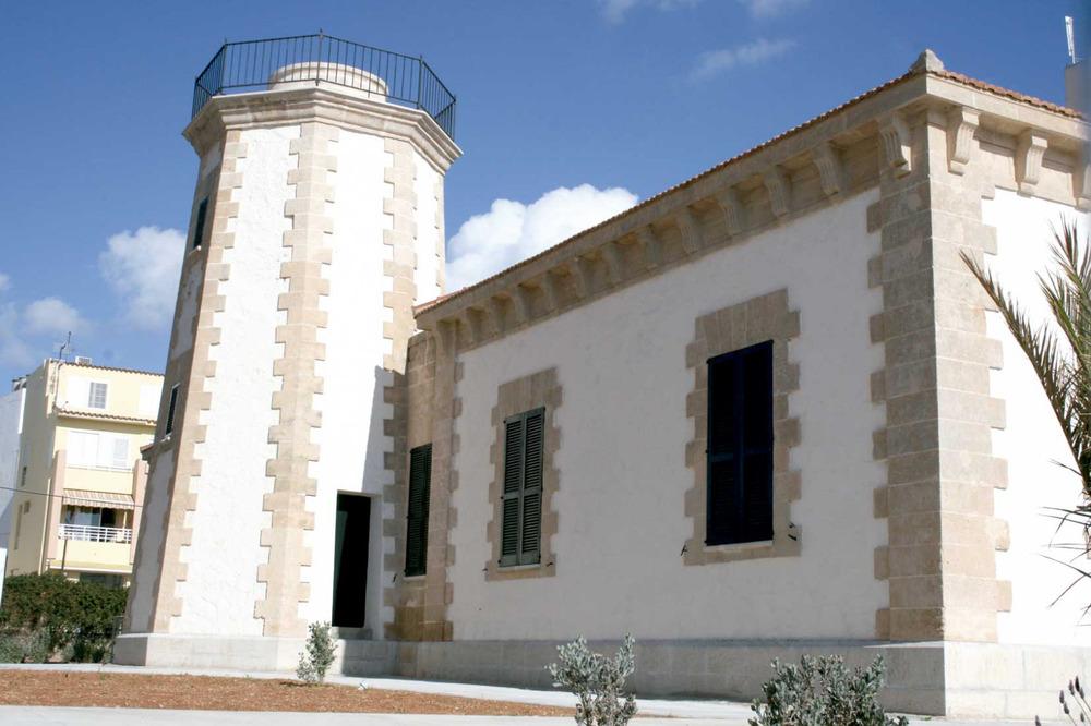 Municipi de Sant Antoni de Portmany. Antic far de ses Coves Blanques, el 2011 dedicat a espai cultural com a Centre d´Interpretació de la Mar. Foto: EEiF.