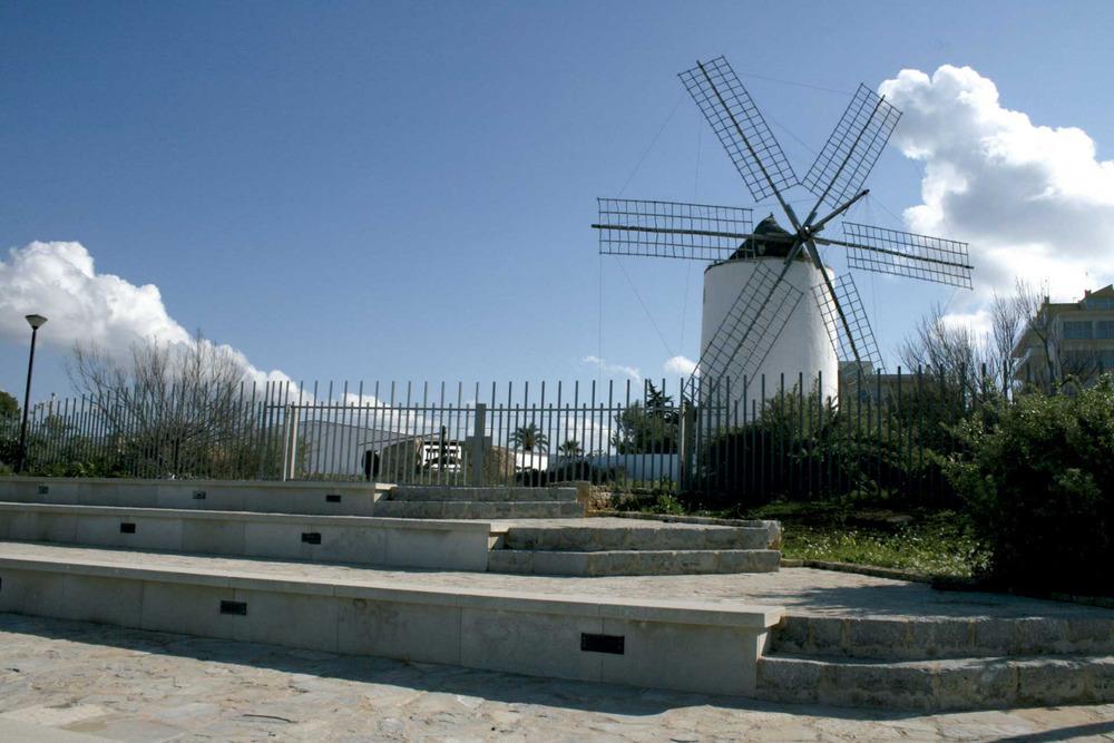 Sant Antoni de Portmany. L´Espai Cultural de Sa Punta des Molí, amb el molí fariner restaurat pel Consell Insdular. Foto: EEiF.