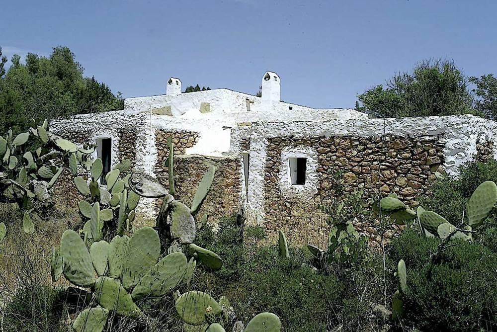Sant Francesc Xavier. Can Simon de Can Parra, exemple d´hàbitat rural dels primers temps de la repoblació de l´illa. Foto: Joan A. Parés.