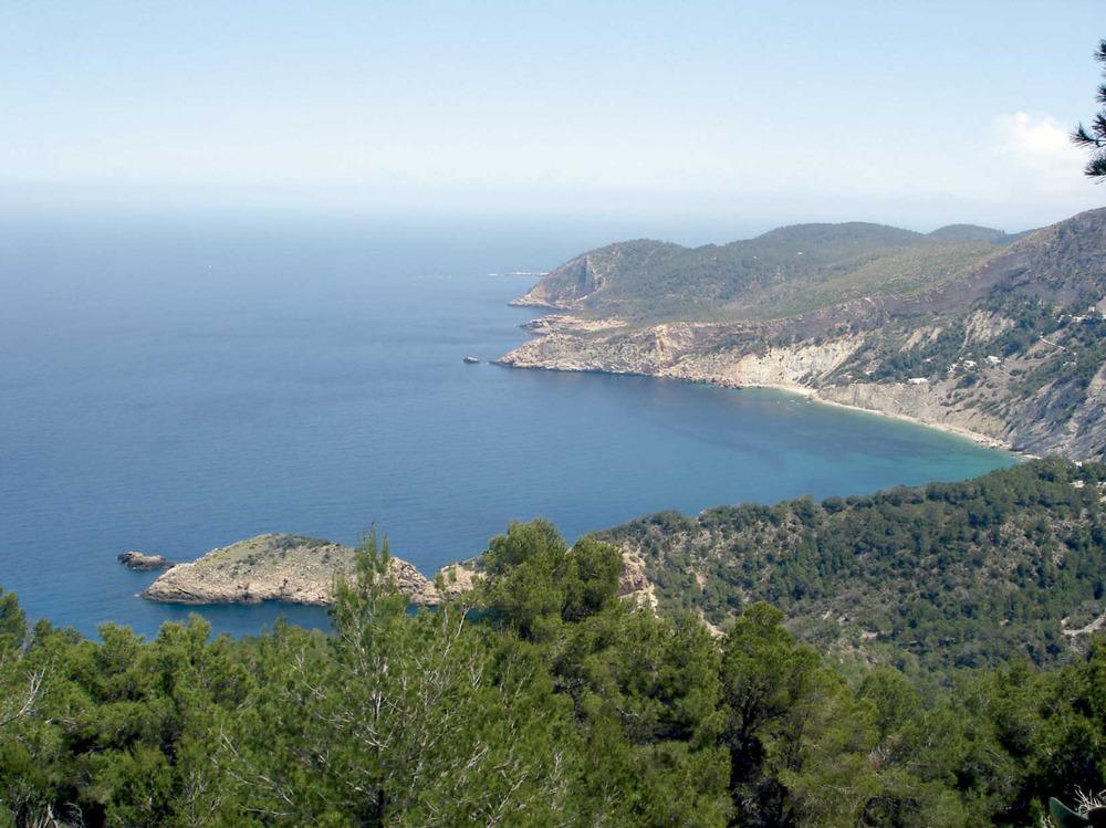 Municipi de Sant Joan de Labritja. Ses Caletes i es racó de sa Talaia, a la costa N del terme municipal. Foto: EEiF.