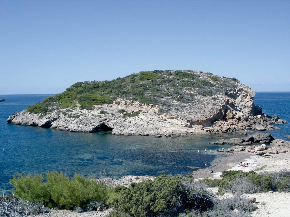 Municipi de Sant Joan de Labritja. L´illot de sa Guardiola, a la badia de Portinatx. Foto: EEiF.