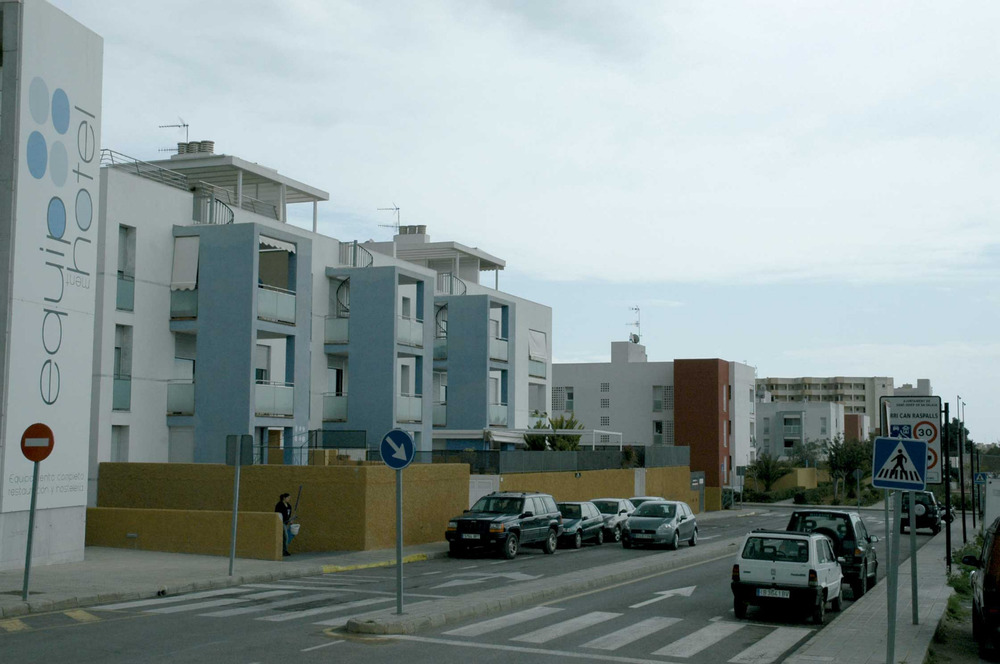 Sant Jordi de ses Salines. La zona urbana de Can Raspalls, on predominen les edificacions plurifamiliars. Foto: Chus Adamuz.