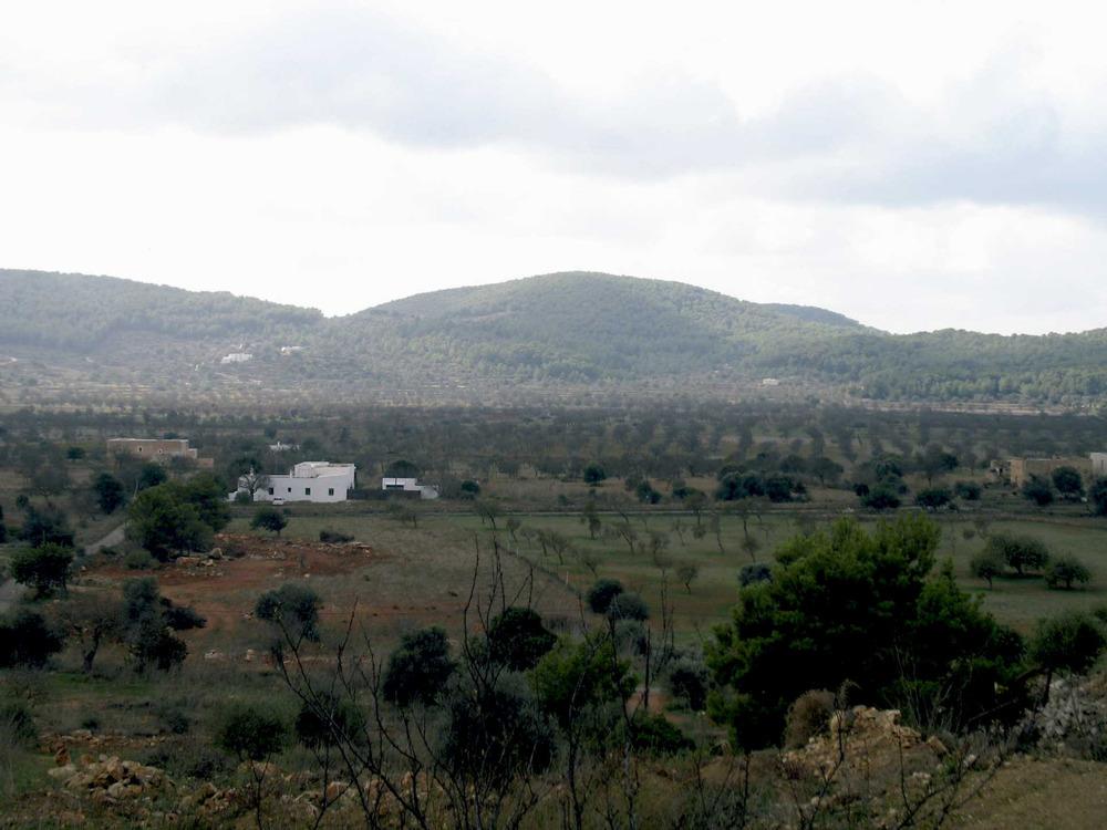 Santa Agnès de Corona. El pla de Corona vist des del sud. Foto: Marta Tur Tur.