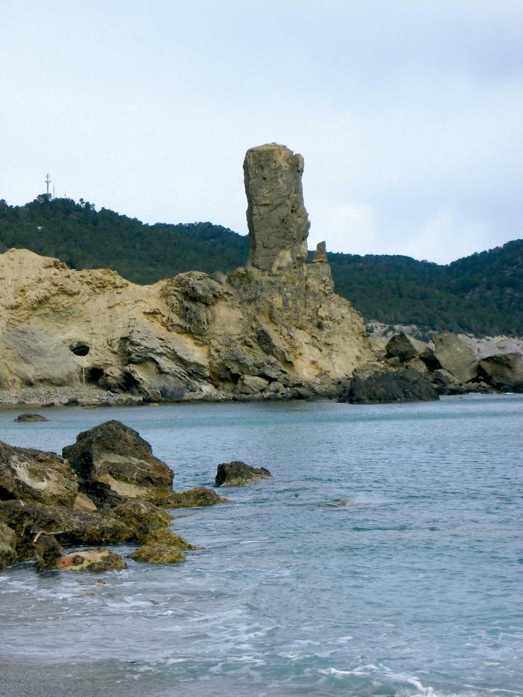 Municipi de Santa Eulària des Riu. El paller d´en Camp, as Figueral i, al fons, el puig de Mar, extrem NO del municipi. Foto: EEiF.