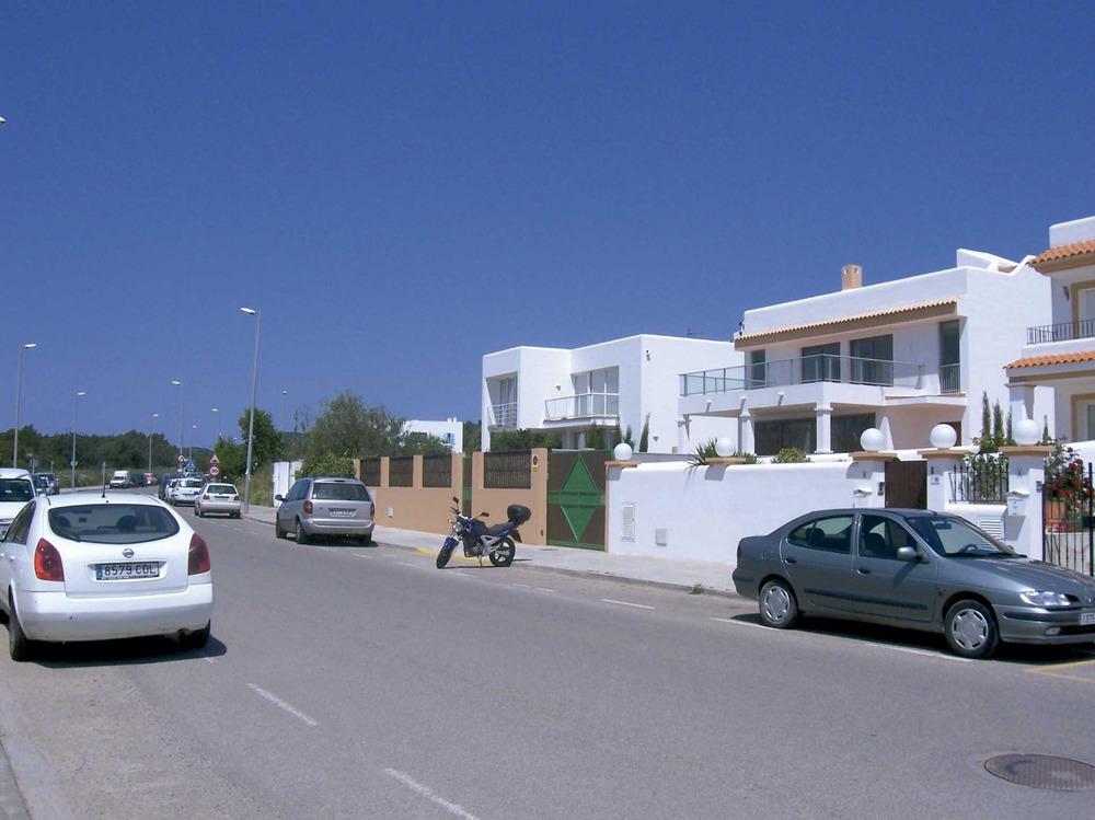Santa Gertrudis de Fruitera. Una imatge que reflecteix l´extensió del poble cap a l´antiga hisenda de ca na Pujoleta. Foto: Marta Tur Tur.
