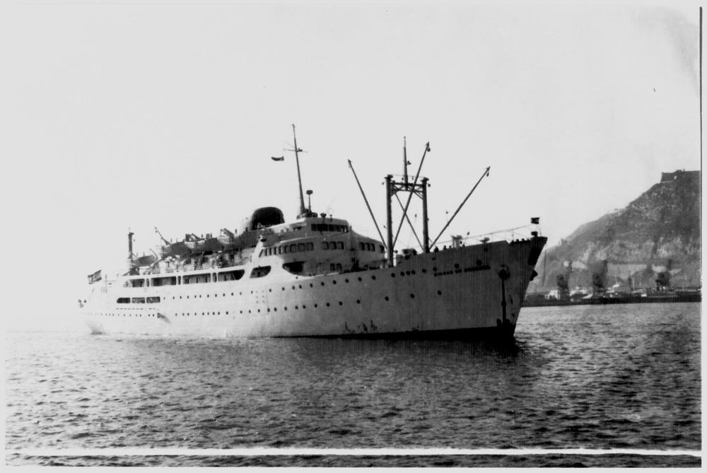 El vaixell <em>Ciudad de Granada</em>, de la companyia Trasmediterránea. Foto: Museu Marítim de Barcelona.