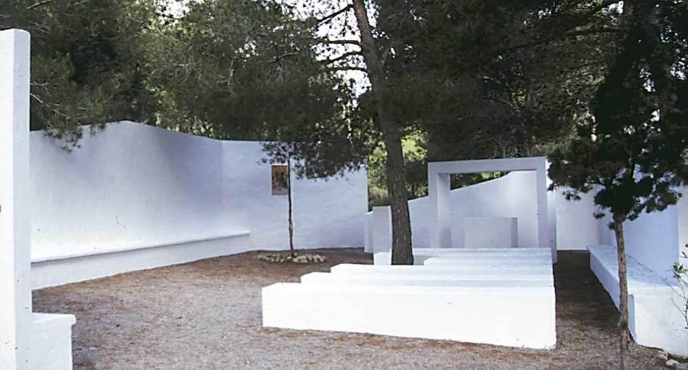 Arquitectura. Capella de Cala Llonga (1974), d´Elies Torres. Foto: Ferran Marí Serra / Salvador Roig Planells.