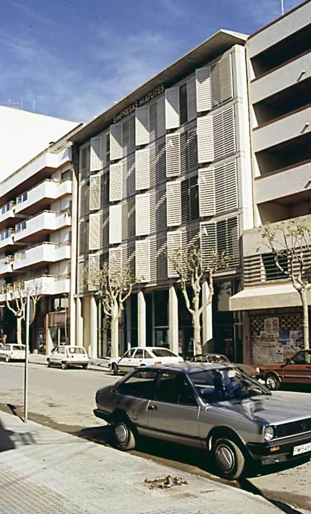Arquitectura. Edifici de les empreses Matutes (1981), de Víctor Rahola. Foto: Ferran Marí Serra / Salvador Roig Planells.