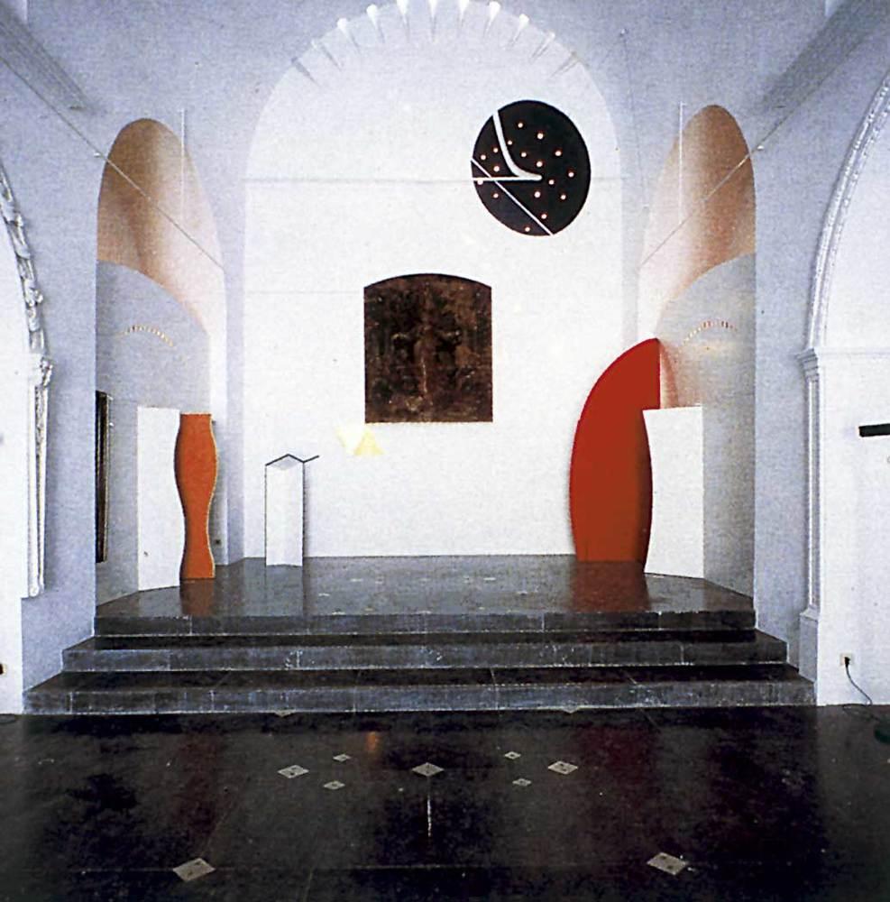 Arquitectura. Restauraci&oacute; de l´esgl&eacute;sia de l´Hospitalet (1984), d´Elies Torres i J. A. Mart&iacute;nez Laspe&ntilde;a. Foto: <em>El Croquis 61</em>.