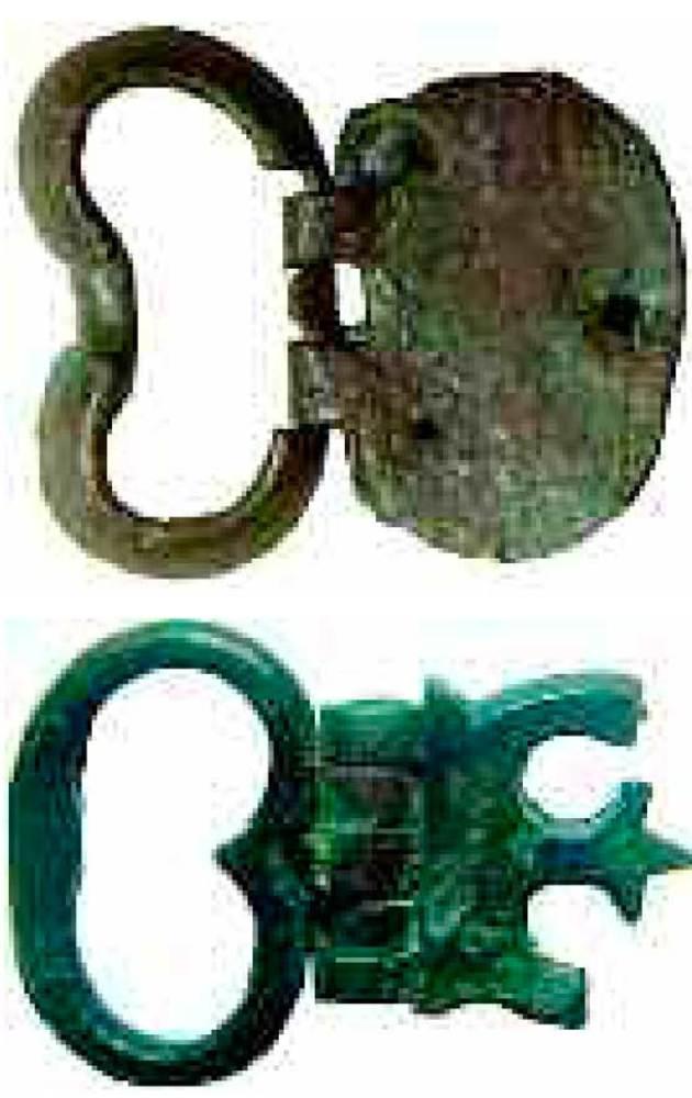 Època bizantina. Dues sivelles de cinturó de bronze trobades al terme municipal de Santa Eulària des Riu. Foto: Joan Ramon Torres.