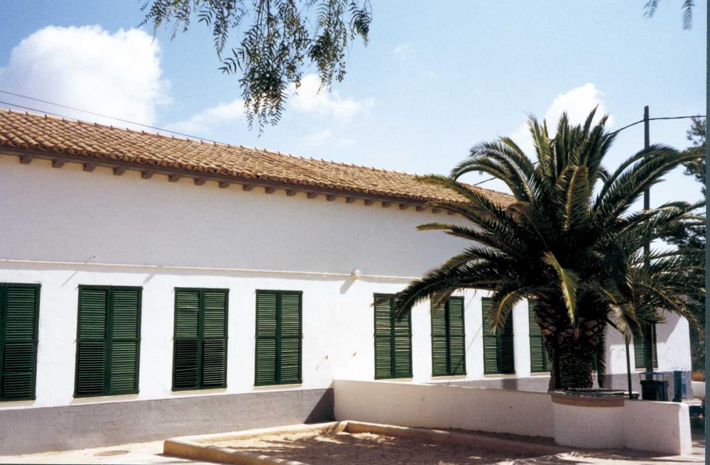 L´escola de Santa Gertrudis, projecte de Guillem Forteza, fou inaugurada l´any 1934. Foto: Neus Garcia Ferrer.