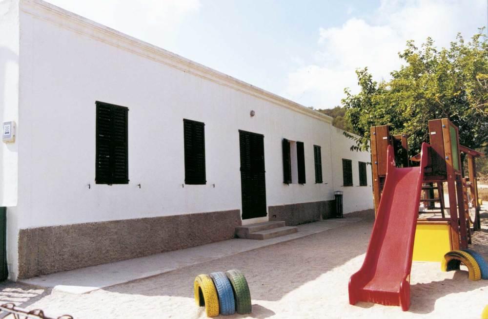 La vella escola de Sant Carles, utilitzada com a aula de música. Foto: Neus Garcia Ferrer.