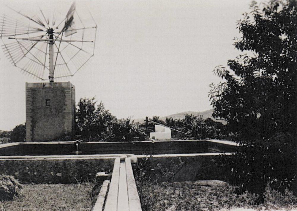 El molí i el safareig de can Miqueleta. Foto: Pere Planes Caldentey.