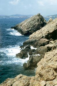 La punta Arabí, a la costa de Santa Eulària des Riu, a la vénda d´Arabí. Foto: Enric Ribes i Marí.
