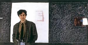 Pedro M. Asensio davant una de les seues obres.