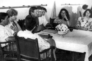 Responsables de l´Associació de Vesins de Can Bonet en una reunió. Foto: arxiu del <em>Diario de Ibiza</em>.