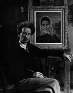 El pintor Martin Baer davant d´una obra de temàtica eivissenca.