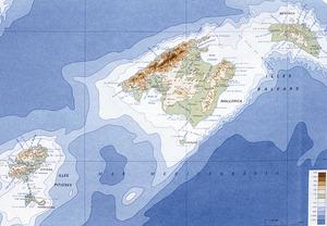Mapa f&iacute;sic de les illes Balears. Extret d<em>e </em>Di&agrave;fora. <em>Atles de les Illes Balears</em>.